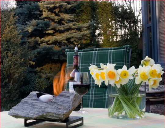 Kolokol Group - biokominek mały, wolnostojący, przenośny, dekoracyjny, z kamienia